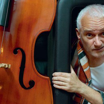 Bass Band v predstavení Patricka Süskinda Kontrabas
