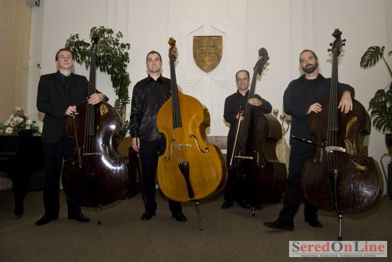 Slovenské kontrabasové kvarteto v Seredi